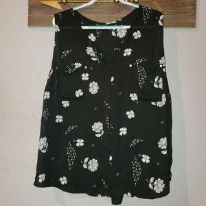 Maurices plus size 4 sleeveless blouse